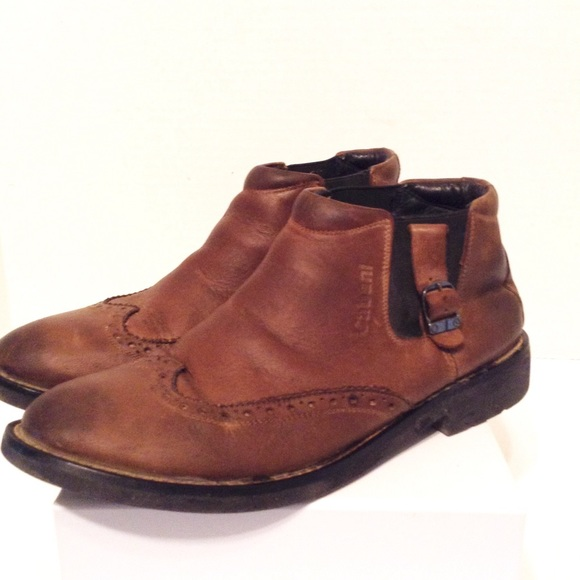 Cabani Wing Tip Leather Ankle Boots